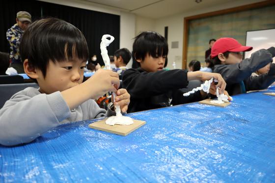 やと子ども美術教室 ~ 粘土で遊ぼう ~_e0222340_14192453.jpg