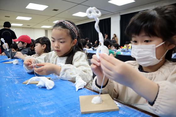 やと子ども美術教室 ~ 粘土で遊ぼう ~_e0222340_1419516.jpg