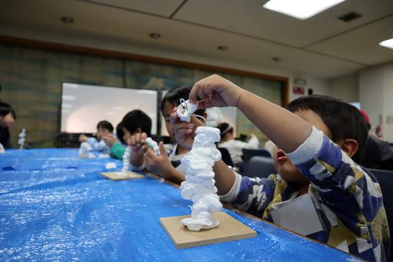 やと子ども美術教室 ~ 粘土で遊ぼう ~_e0222340_14201187.jpg