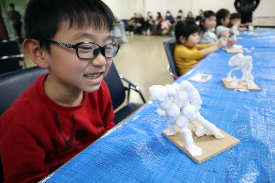 やと子ども美術教室 ~ 粘土で遊ぼう ~_e0222340_14221848.jpg