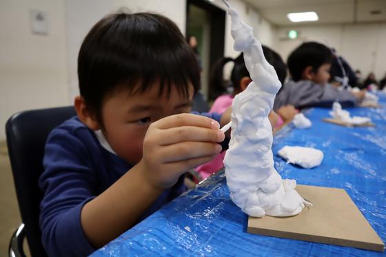 やと子ども美術教室 ~ 粘土で遊ぼう ~_e0222340_14234542.jpg