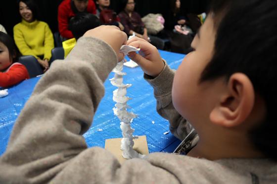 やと子ども美術教室 ~ 粘土で遊ぼう ~_e0222340_14315286.jpg