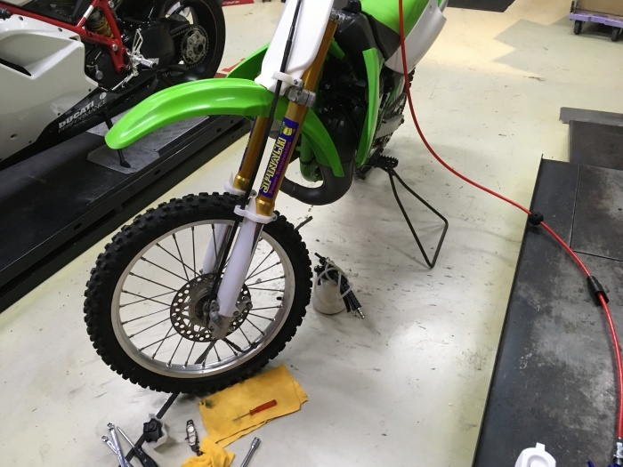 KX80ⅡのFブレーキ修理_f0178858_16482971.jpg