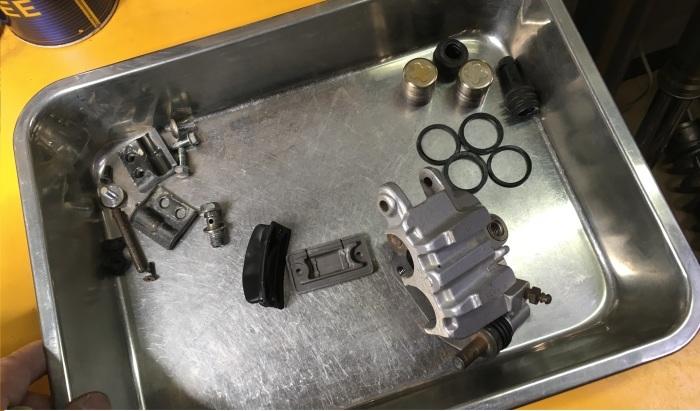 KX80ⅡのFブレーキ修理_f0178858_16492394.jpg