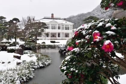 先日の鳥取市内仁風閣........大雪とまではいかないけど数センチ積雪の....._b0194185_18390838.jpg