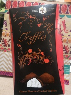 食べやすいチョコレート☆ル・シュヴァリエ トリュフ ダムブランシュ「KALDI COFFEE FARM」_f0391490_00520443.jpg