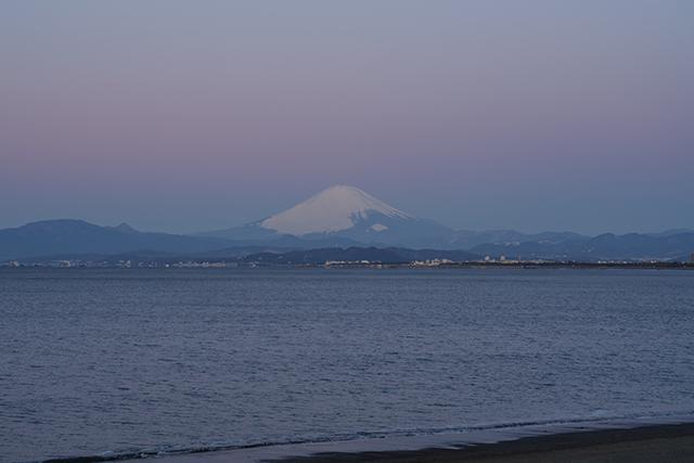 湘南海岸の満月と富士山_b0145398_16503993.jpg
