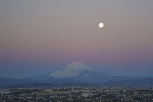 湘南海岸の満月と富士山_b0145398_19120503.jpg