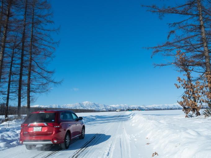 今季最高の冷え込み・・快晴で日高山脈がきれいに望めます。_f0276498_11354451.jpg
