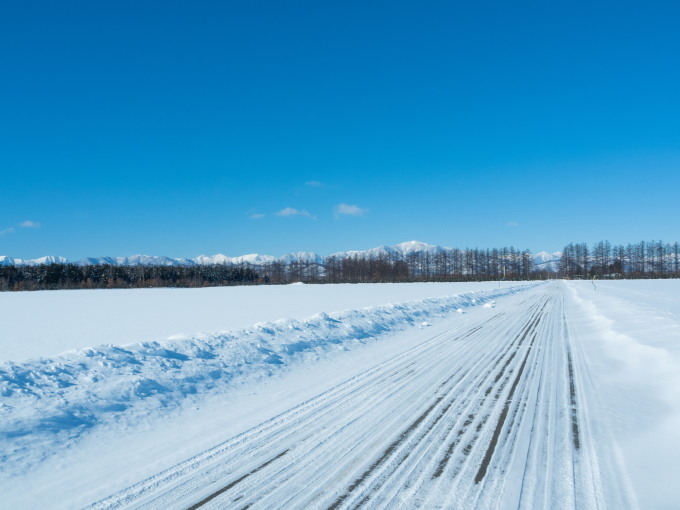 今季最高の冷え込み・・快晴で日高山脈がきれいに望めます。_f0276498_11360348.jpg