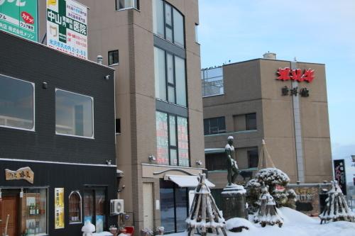 朝の米沢駅 2020.2.10_c0075701_07472994.jpg