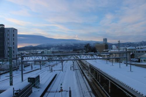 朝の米沢駅 2020.2.10_c0075701_07495727.jpg
