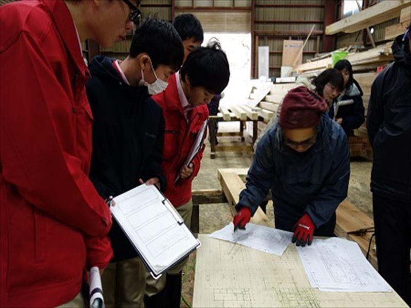 高校生が弊社作業場を見学の訪れました。_f0105112_18465946.jpg