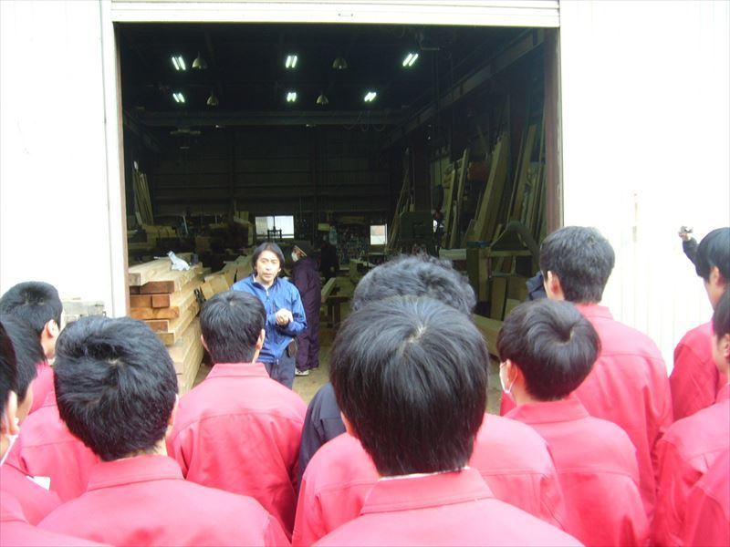 高校生が弊社作業場を見学の訪れました。_f0105112_18465983.jpg