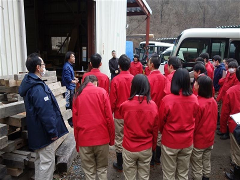 高校生が弊社作業場を見学の訪れました。_f0105112_18465997.jpg