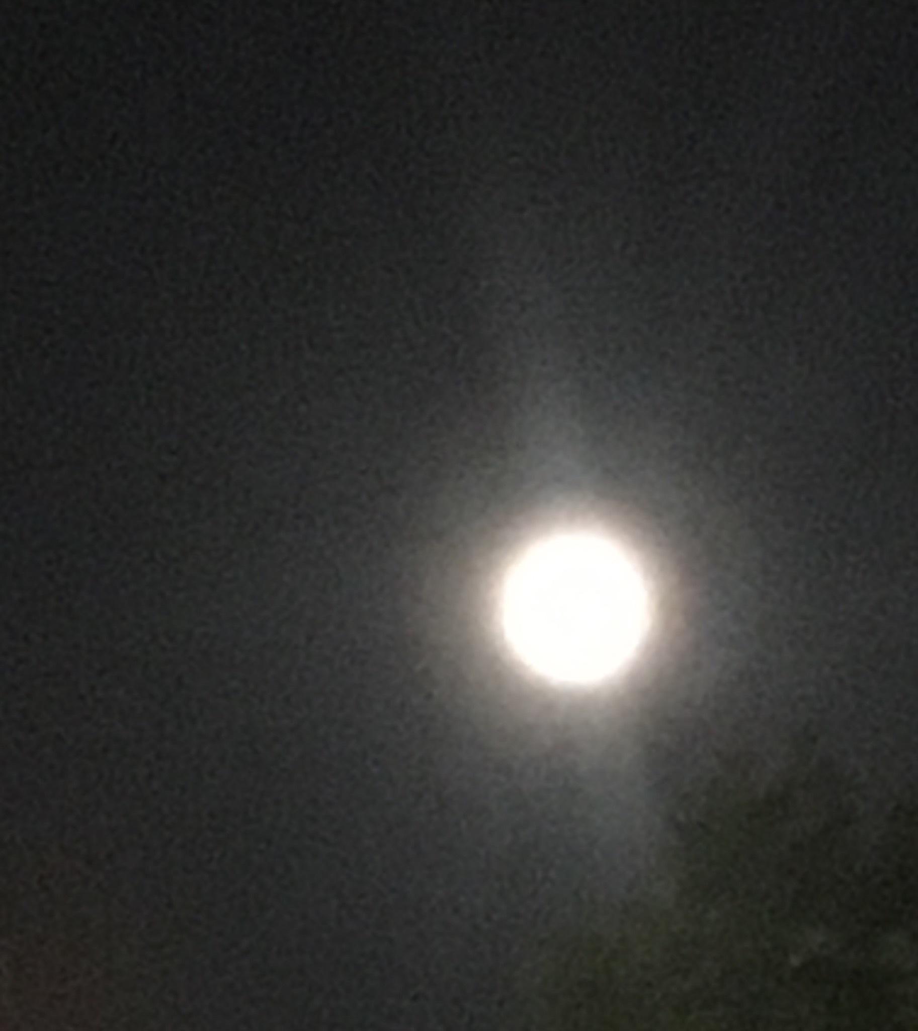 青く燃える お月様 NO.672_c0102513_15242757.jpeg