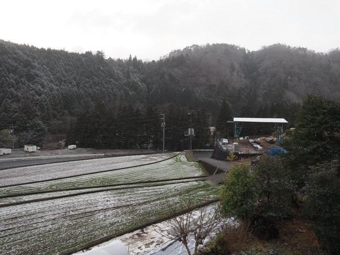 薄っすら雪景色_c0116915_00190881.jpg