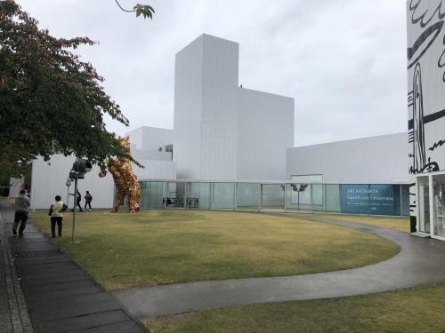 十和田現代建築を巡る _e0028417_08322380.jpg