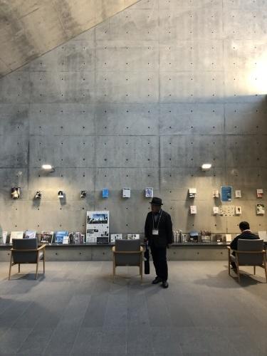十和田現代建築を巡る _e0028417_08325400.jpg