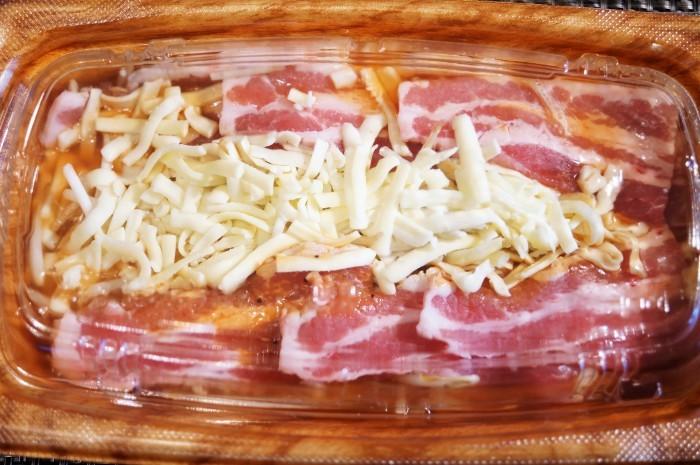 ■簡単晩ご飯【レンチン5分調理!豚カルビチーズ焼き?半調理品を発見@@!】_b0033423_23174441.jpg