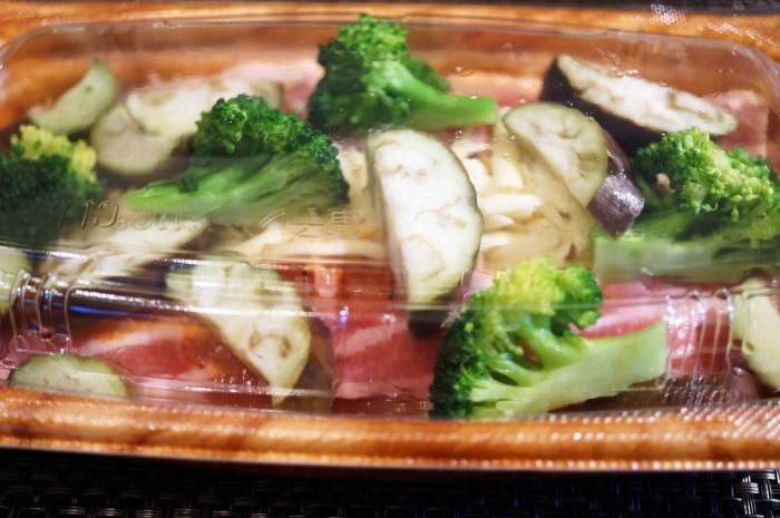 ■簡単晩ご飯【レンチン5分調理!豚カルビチーズ焼き?半調理品を発見@@!】_b0033423_23204722.jpg