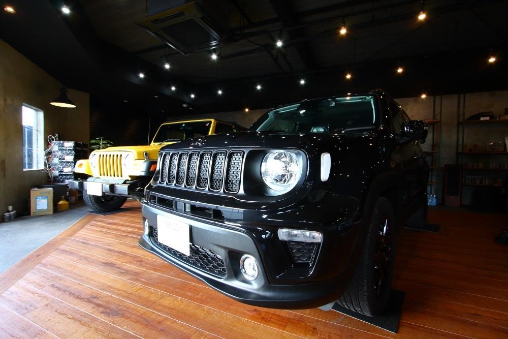 新車のレネゲード入庫 ドラレコ取り付け_f0105425_17433525.jpg