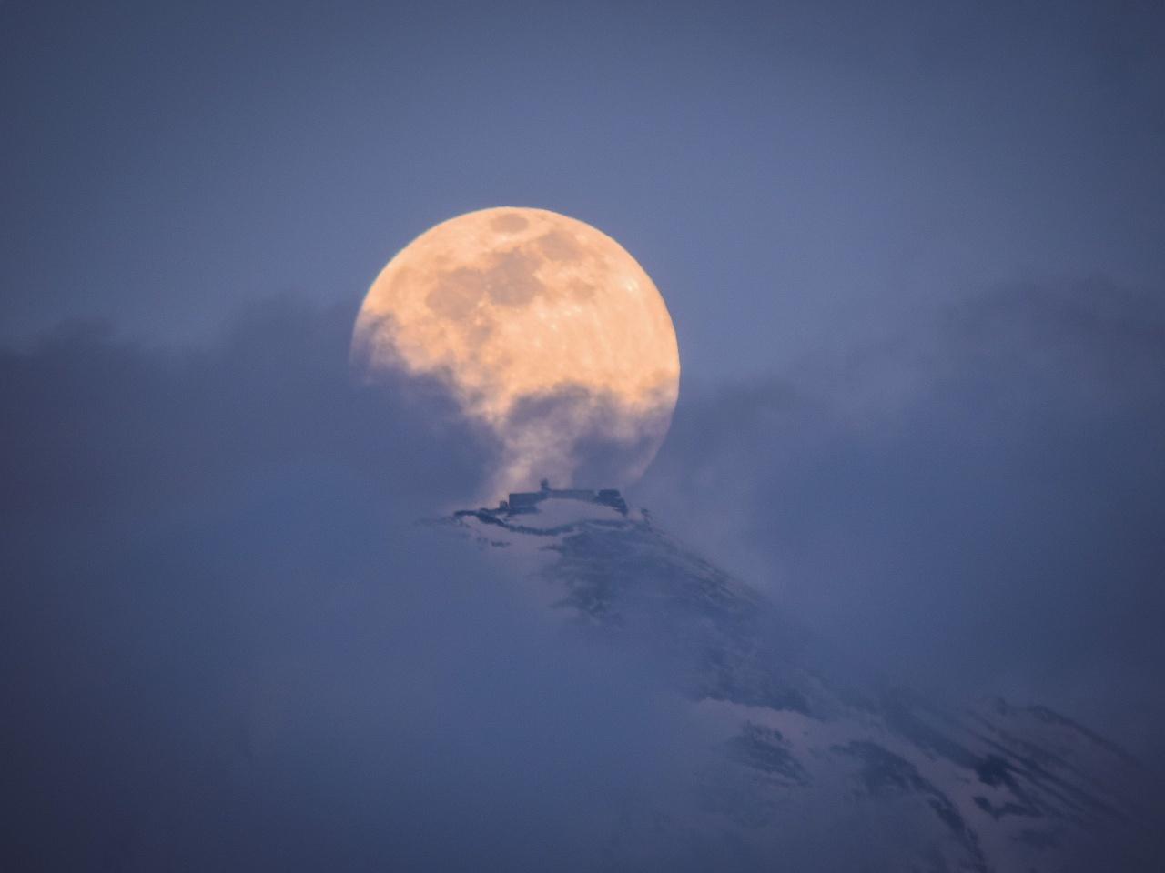 2020.2.8雲間のパール富士(内野発電所)_e0321032_14472257.jpg