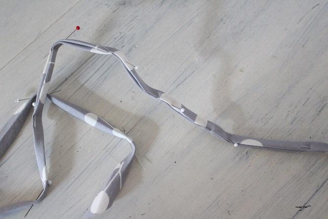 『手作りマスク』耳が痛くなりにくいマスクゴムの代用になる布紐の作り方(縫わずに作る追記有)_f0023333_22323020.jpg