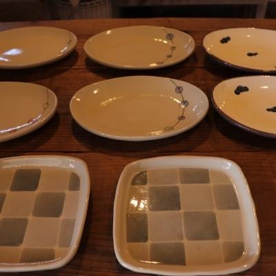2/10 「ホソカワカオリ 豆皿とお皿展」開催中です。_f0325437_14490156.jpg