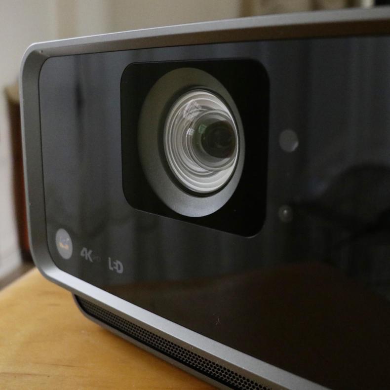 【PR】ViewSonic社製プロジェクター「X10-4K」にはこだわりがつまってる! 製品レビュー_c0060143_18204354.jpg