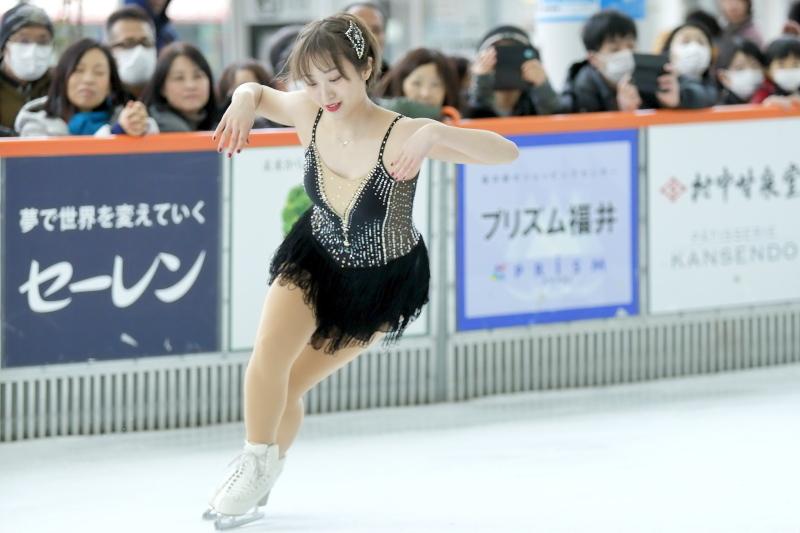 ハピリンク 関西大学アイススケート部スペシャルショー SP 高木選手_c0196076_01051611.jpg