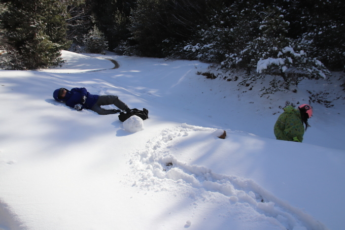雪を求めて。親の愛編。_e0149587_05053611.jpeg