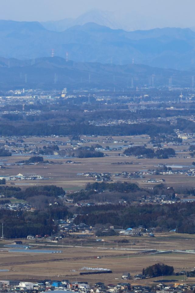 冬晴れの芳賀野、雪雲を背景に白煙 - 2020年・真岡鉄道 -_b0190710_20104146.jpg