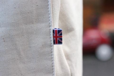 イギリスの本場フィッシャーマンが着用している「NEWLYN SMOCKS」に別注_f0191324_08382132.jpg