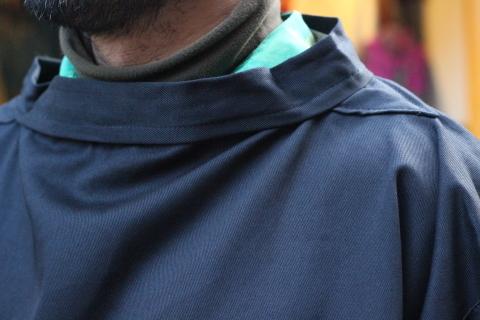 イギリスの本場フィッシャーマンが着用している「NEWLYN SMOCKS」に別注_f0191324_08392076.jpg