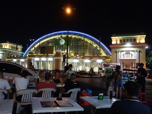 フアランポーン駅前で来タイ記念宴会もしちゃった_c0030645_00510384.jpg