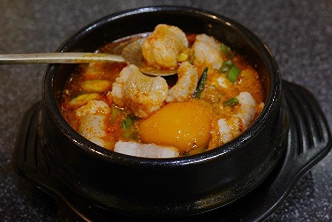 今さらまじめに韓国料理シリーズ こってり濃厚スンドゥブチゲ編_a0223786_13434903.jpg