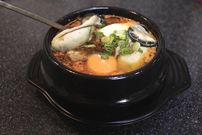 今さらまじめに韓国料理シリーズ こってり濃厚スンドゥブチゲ編_a0223786_13452163.jpg