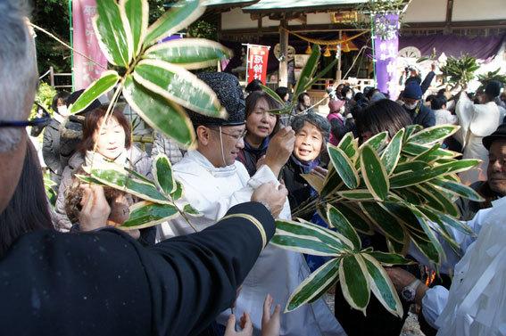 春を呼ぶ射山神社の「みゆ」_b0145296_16272758.jpg