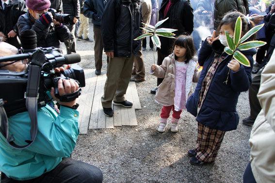 春を呼ぶ射山神社の「みゆ」_b0145296_16274209.jpg