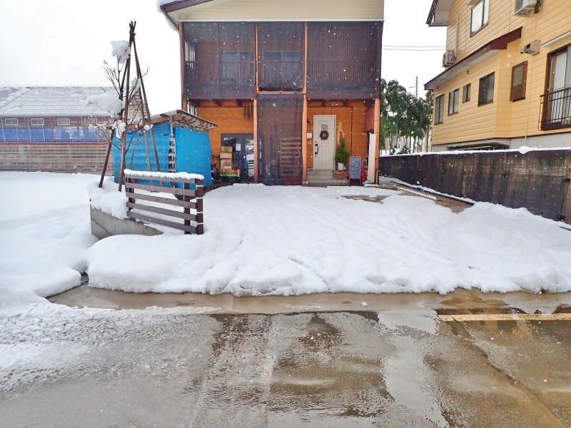 自宅裏の積雪深を測ってみました_c0336902_20305305.jpg