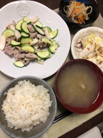 豚肉とズッキーニの炒め物_d0235108_21052683.jpg