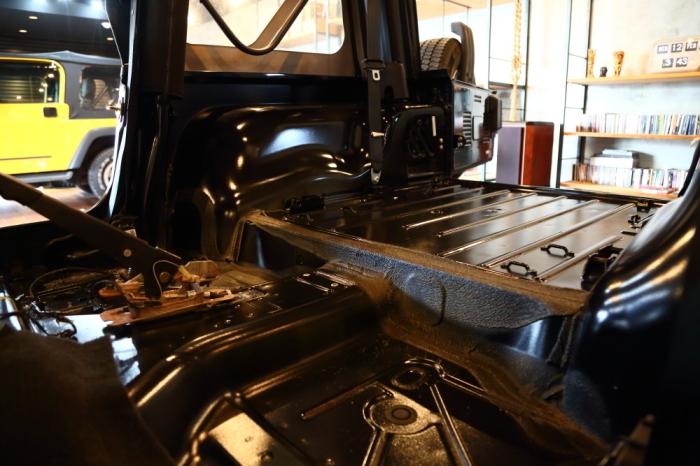 レネゲードご納車完了からTJも作業進行中_f0105425_18331966.jpg