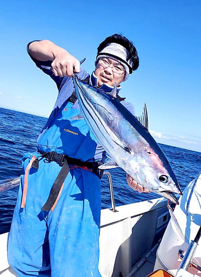 浜名湖沖でカツオ_f0009039_10402887.jpg