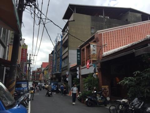 台北の古い町並み_f0233340_15195246.jpg
