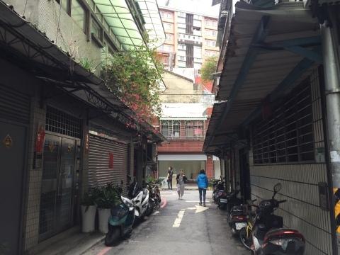 台北の古い町並み_f0233340_15364627.jpg