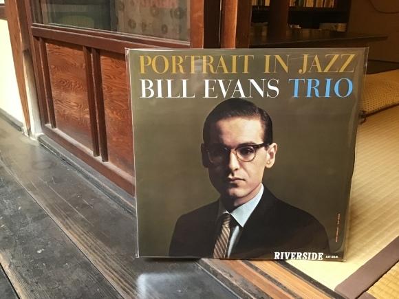 Portrait in jazz / bill evans trio_e0230141_19590139.jpeg