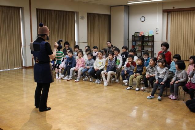 人形劇観賞 と 交通安全教室_e0209845_12580583.jpg