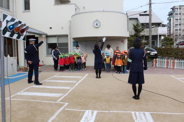 人形劇観賞 と 交通安全教室_e0209845_12580716.jpg