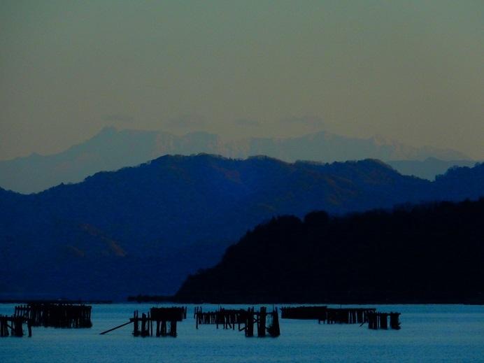 見えた!四国山地の白い壁_e0175370_21401602.jpg